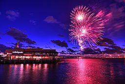 2014_Piers_Festival_Fireworks_(12152711515)