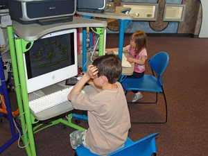 512px-Children_computing_by_David_Shankbone