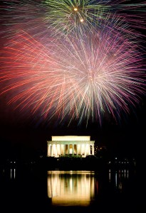 512px-Lincoln_Memorial_July_4th_1