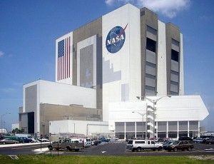 512px-Vehicle-Assembly-Building-July-6-2005
