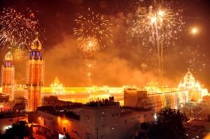 Diwali_fireworks_and_lighting_celebrations_India_2012