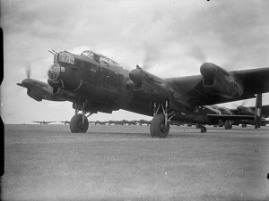 Royal_Air_Force_Bomber_Command,_1942-1945._CH6092